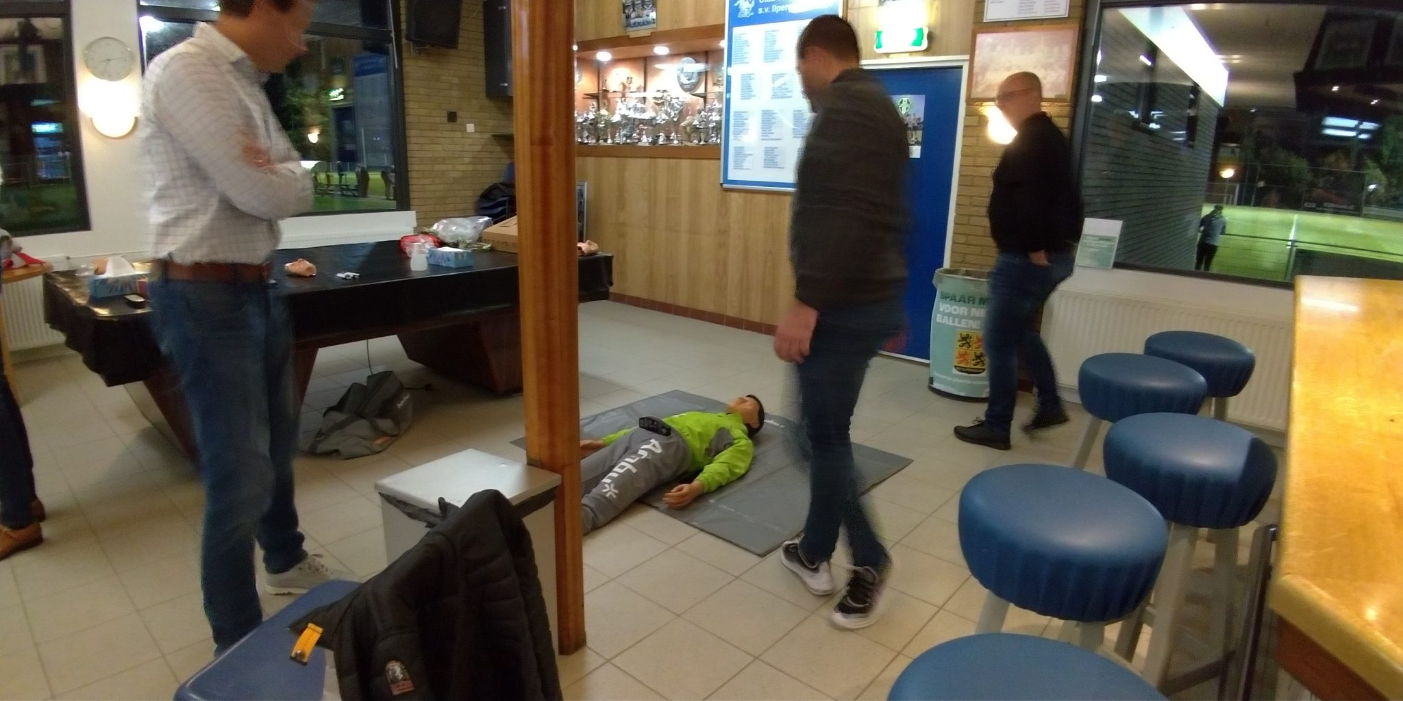 Geslaagde Reanimatie en AED cursus bij SV-Ilpendam