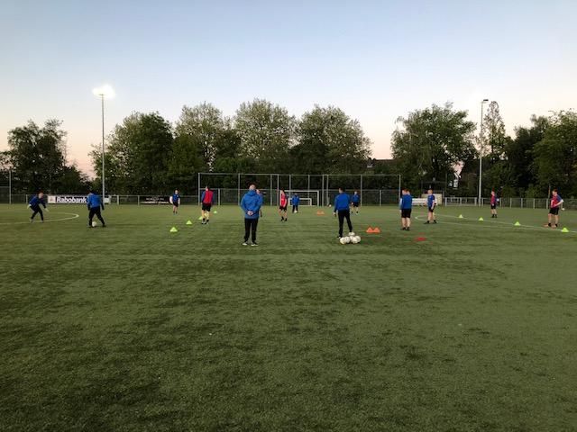 Heren selectie SV Ilpendam hervat trainingen
